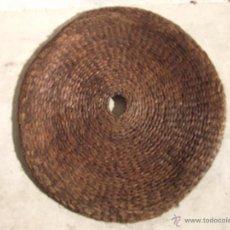 Antigüedades: ANTIGUA ESTERA COFIN O CAPACHO 78 CM DIAMETRO DE PRINCIPIOS DE SIGLO ESPARTO. Lote 39967462