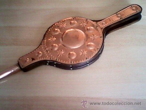 ANTIGUO FUELLE DE CHIMENEA HECHO DE COBRE Y MADERA ,GRAN TAMAÑO. (Antigüedades - Técnicas - Rústicas - Utensilios del Hogar)