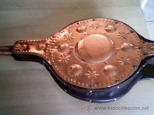 Antigüedades: ANTIGUO FUELLE DE CHIMENEA HECHO DE COBRE Y MADERA ,GRAN TAMAÑO. - Foto 2 - 39978158