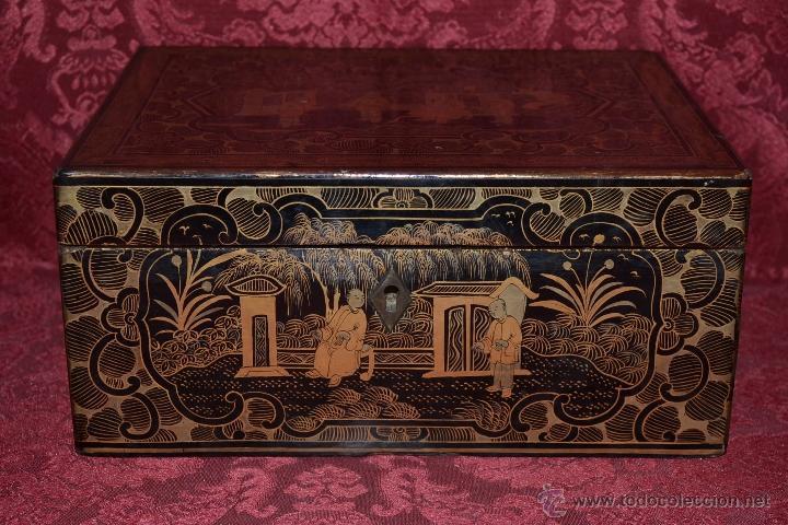 magnifica caja antigua en madera lacada de cantonchina