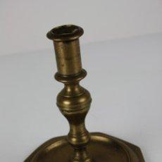Antigüedades: CANDELERO EN BRONCE, DE MEDIADOS S. XVIII, . Lote 40026450