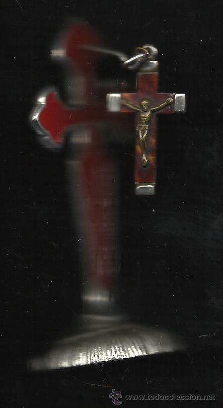 PRECIOSA CRUZ DE SANTIAGO SOBRE CONCHA SOPORTE DE MESA PLATEADA Y ESMALTE DE 9 CM DE ALTA CON CRUZ (Antigüedades - Religiosas - Cruces Antiguas)