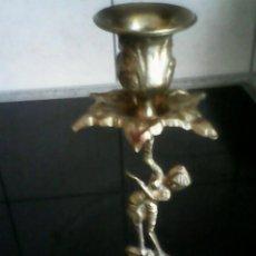 Antigüedades: ANTIGUO CANDELABRO DE BRONCE DE LOS AÑOS 50/60. Lote 186163907