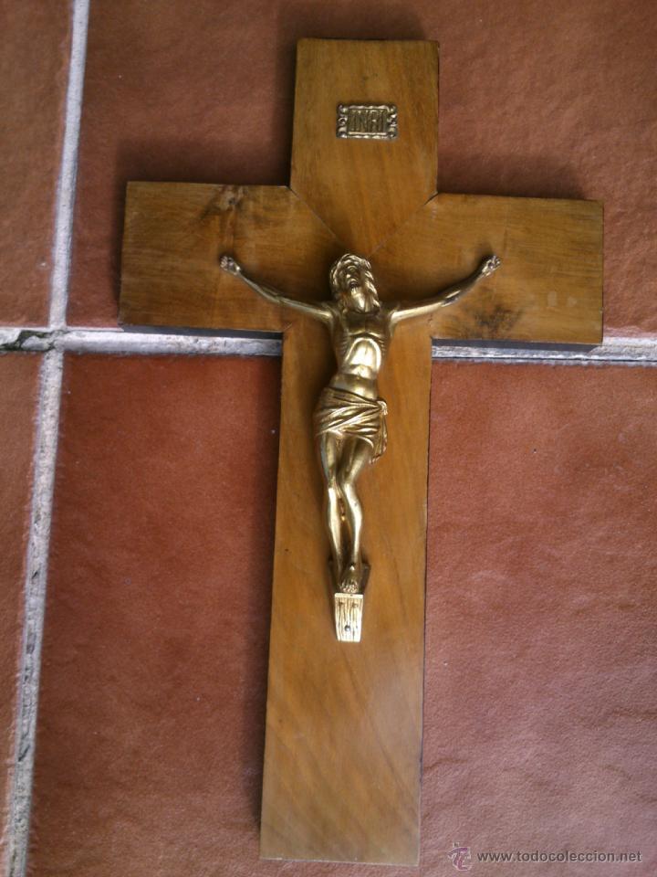 ANTIGUO CRUCIFIJO-CRUZ MADERA CRISTO BRONCE .(40X24CM) (Antigüedades - Religiosas - Crucifijos Antiguos)