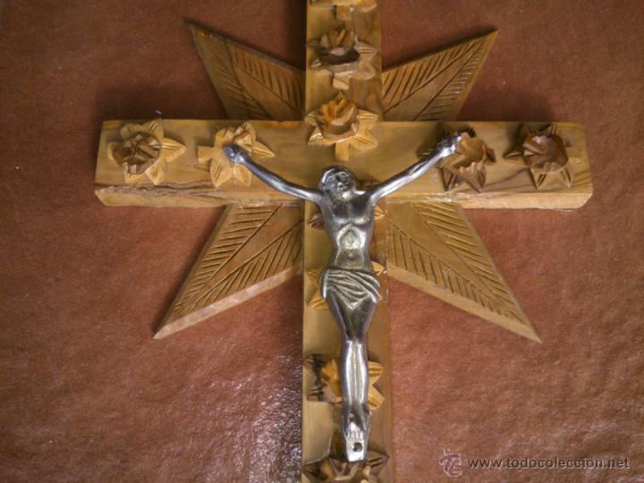 Antigüedades: CRUCIFIJO-CRUZ MADERA LABRADA TALLADA CRISTO METAL .(31X18CM) - Foto 2 - 40062323