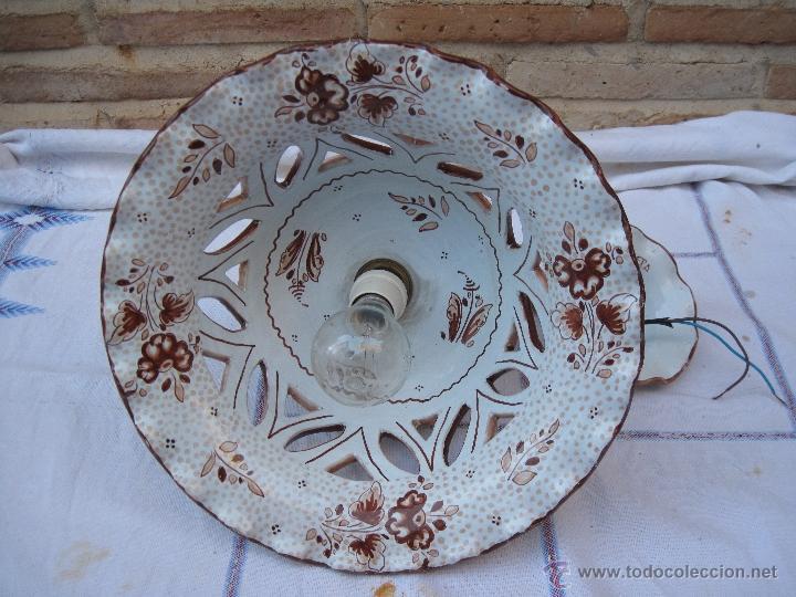 Antigüedades: LAMPARA EN CERAMICA VIDRIADA, DE TALAVERA DE LA REINA (TOLEDO ) FUNCIONANDO. - Foto 2 - 40067322