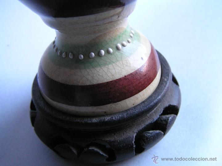 Antigüedades: JARRÓN SATSUMA DECORADO A MANO CON BASE DE MADERA TALLADA. AÑOS 30. - Foto 11 - 40070968