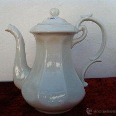 Antigüedades: ANTIGUA CAFETERA EN PORCELANA DE BAVARIA CCA 1900. Lote 40151099
