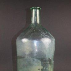 Antigüedades: GRAN BOTELLA EN CRISTAL SOPLADO VERDE - SIGLO XIX. Lote 40114026