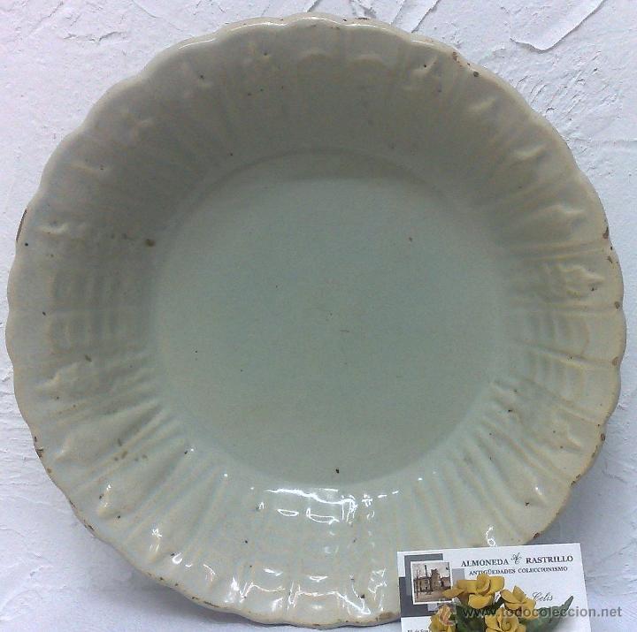 SIGLO XIX, LEBRILLO EN LOZA BLANCA. (Antigüedades - Porcelanas y Cerámicas - Otras)