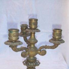 Antigüedades: CANDELABRO BRONCE GRAN PESO . ROBUSTO 22 ALTO 20 CM DE DIAMETRO 3 BRAZOS. Lote 40129197