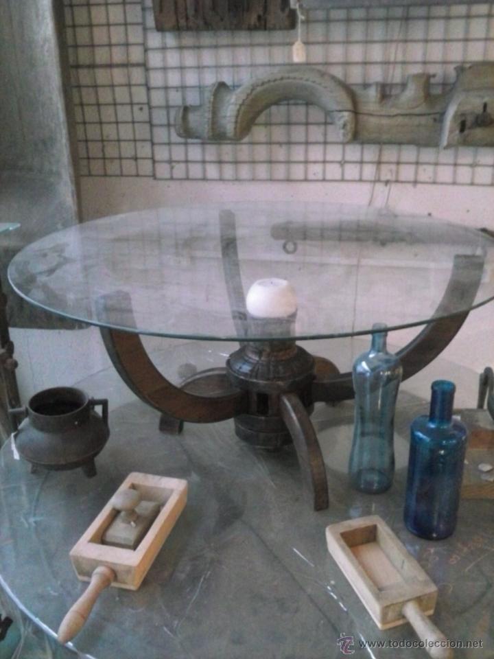 Mesa de centro de rueda de carro antiguo comprar mesas for Mesas de centro antiguas
