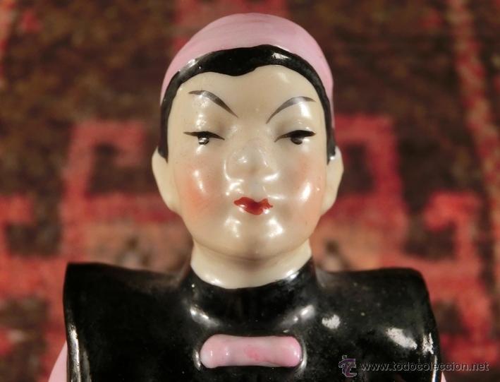 BONITA FIGURA DE PORCELANA. JAPAN. MANDARÍN (Antigüedades - Porcelana y Cerámica - Japón)