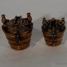 Antigüedades: JUEGO DE BRONCE DE DOS VASOS ARAGONESES. Lote 40160834