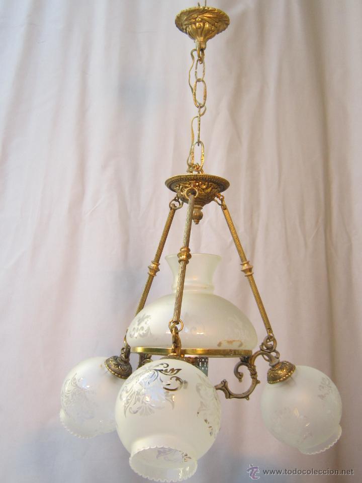 Antigüedades: LAMPARA DE TECHO EN BRONCE PORCELANA Y TULIPAS DE CRISTAL - Foto 2 - 40169975