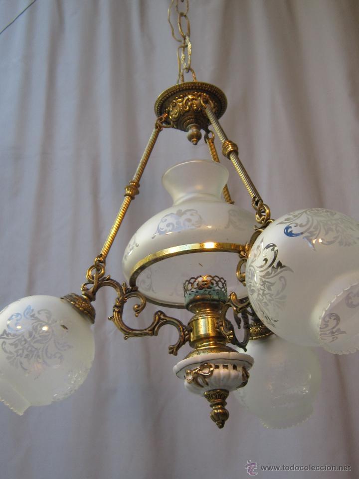 Antigüedades: LAMPARA DE TECHO EN BRONCE PORCELANA Y TULIPAS DE CRISTAL - Foto 3 - 40169975