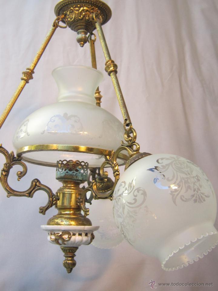 Antigüedades: LAMPARA DE TECHO EN BRONCE PORCELANA Y TULIPAS DE CRISTAL - Foto 4 - 40169975