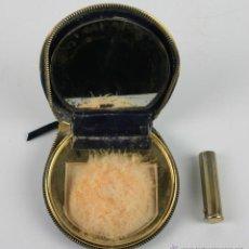 Antigüedades: POLVERA EN PIEL Y FUNDA DE PINTALABIOS EN METAL. AÑOS 40.. Lote 40178869