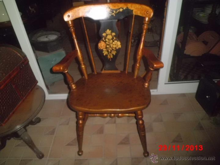 Antigüedades: SILLON DE MADERA PINTDO EN ORO ENVEJECIDO CON LA PEINETA EN COLOR NEGRO DECORADA. - Foto 8 - 40183751