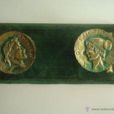 Antigüedades: ANTIGUO PERCHERO CON MEDALLONES DE NAPOLEÓN Y JOSEFINA EN BRONCE RELIEVE. Lote 40187257