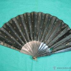 Antigüedades: ABANICO ANTIGUO NEGRO. LONGITUD DE VARILLA 34,5 CM, ABIERTO 64 CM. Lote 40218059