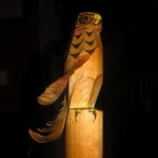 Antigüedades: PEQUEÑA ESCULTURA EN MADERA REPRESENTANDO UN AGUILA. Lote 40278956