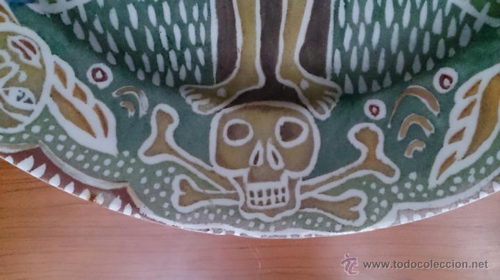Antigüedades: Antiguo y curioso plato masonico de cristo y calavera de adán al pie de la cruz, Siglo XIX . - Foto 6 - 220413450