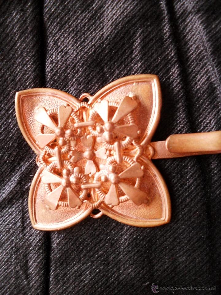 Antigüedades: BROCHE METAL DORADO MODERNISTA - Foto 4 - 32494464
