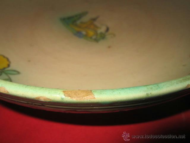 Antigüedades: Preciosa fuente PUENTE DEL ARZOBISPO pintada y esmaltada con dibujo de castillo. - Foto 3 - 40319584
