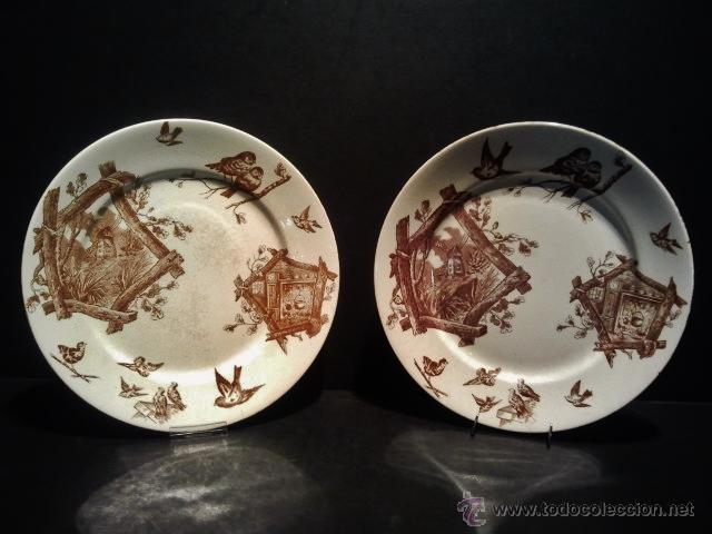 PAREJA DE PLATOS LLANOS DE LOZA Y SELLO INCISO DE MARIANO POLA Y CIA, GIJÓN. FINALES S. XIX. (Antigüedades - Porcelanas y Cerámicas - Otras)
