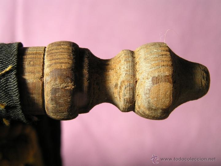 Antigüedades: Bonito y muy antiguo revistero. Bordado a mano. - Foto 12 - 40370894