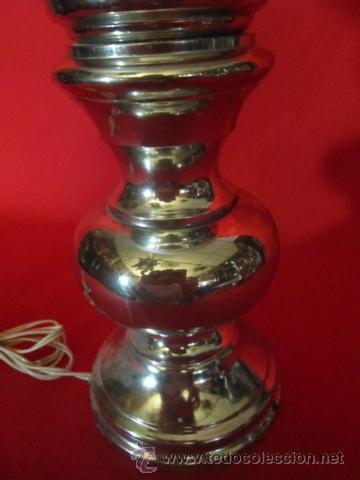 Antigüedades: Pareja de lámparas de sobremesa con pie plateado. - Foto 3 - 26500007