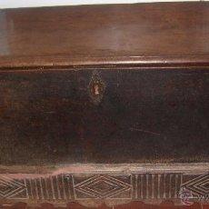 Antigüedades: ARCA DE NOGAL DEL SXVI.. Lote 40443490