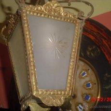 Antigüedades: LAMPARA DE TECHO ANTIGUA TIPO FAROL, CON LOS CRISTALES MATES TALLADOS. . Lote 40459015