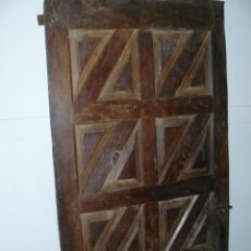 Antigüedades: PUERTA DE MADERA SIGLO XVIII. Lote 40464994