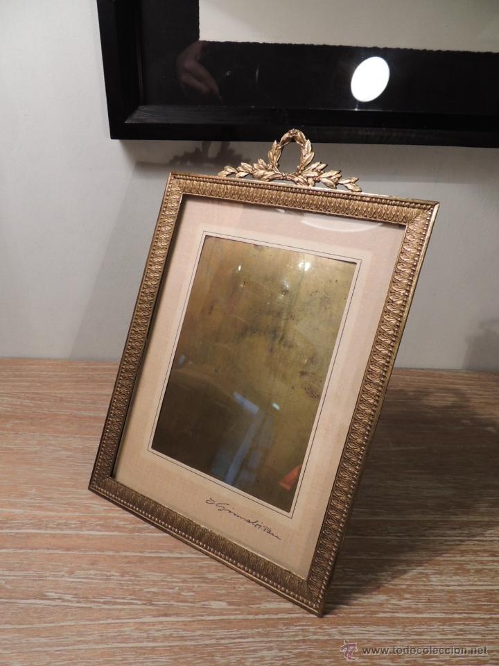 marco de bronce dorado antiguo con copete de co - Comprar Marcos ...