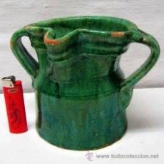 Antigüedades: ANTIGUA JARRA UBEDA DE ORDEÑAR CON DOS ASAS . CERÁMICA VERDE ESMALTADA .. Lote 40521157