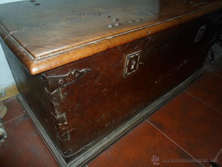 Antigüedades: Arca de nogal de dos cerraduras SXVII. - Foto 11 - 40527949