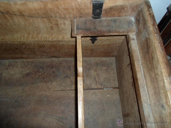 Antigüedades: Arca de nogal de dos cerraduras SXVII. - Foto 15 - 40527949