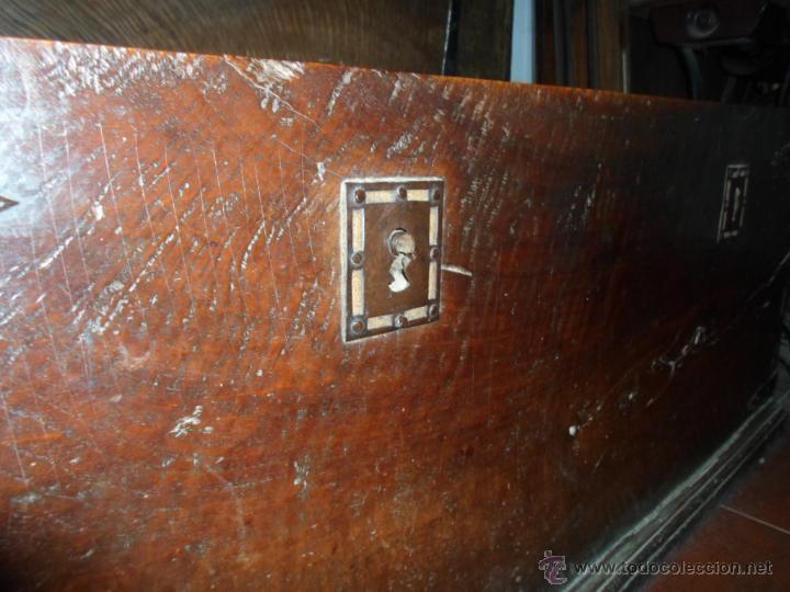 Antigüedades: Arca de nogal de dos cerraduras SXVII. - Foto 22 - 40527949