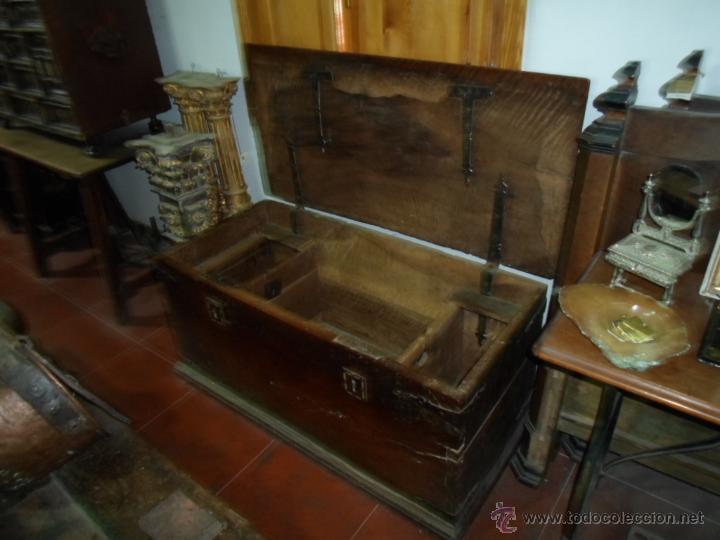 Antigüedades: Arca de nogal de dos cerraduras SXVII. - Foto 25 - 40527949