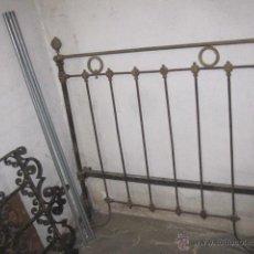 Antigüedades: ANTIGUO CABECERO DE CAMA EN HIERRO Y HERRAJES DE LATON - APROX 1900/1930 120CM LEER MAS. Lote 40547677