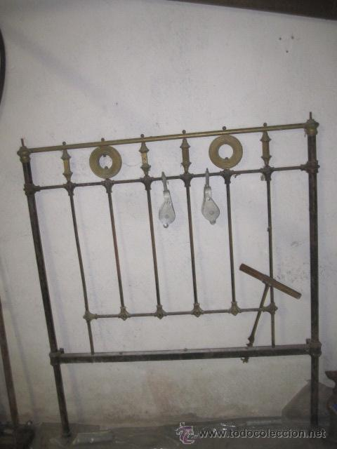 Antiguo cabecero de cama en hierro y herrajes d comprar for Herrajes muebles antiguos