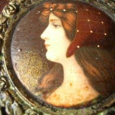 Antigüedades: RARO MARCO MODERNISTA CON INTERESANTES DECORACIONES INCLUIDA UNA LITOGRAFÍA.. Lote 40560804