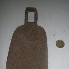 Antigüedades: ANTIGUA AZADA AGRICULTOR - SIN MANGO - MEDIDAS 18 X 10 CM. Lote 40575486