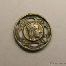 Antigüedades: MEDALLA RELIGIOSA VIRGEN DE MONTSERRAT, PLATA.. Lote 40611653