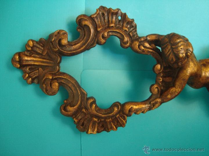 Antigüedades: MARCO PARA ESPEJO TALLA QUERUBIN SOBRE PEANA, 50cm. - Foto 4 - 40622169