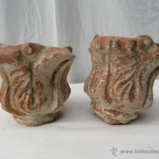 Antigüedades: PAREJA DE ANTIGUOS ELEMENTOS ARQUITECTÓNICOS MODERNISTAS DE CERÁMICA.. Lote 40632517