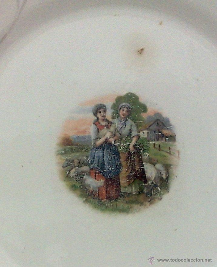 Antigüedades: SIGLO XIX-XX.- SAN CLAUDIO.- OVIEDO.- INTERESANTE PLATO EN PORCELANA. - Foto 3 - 40661034