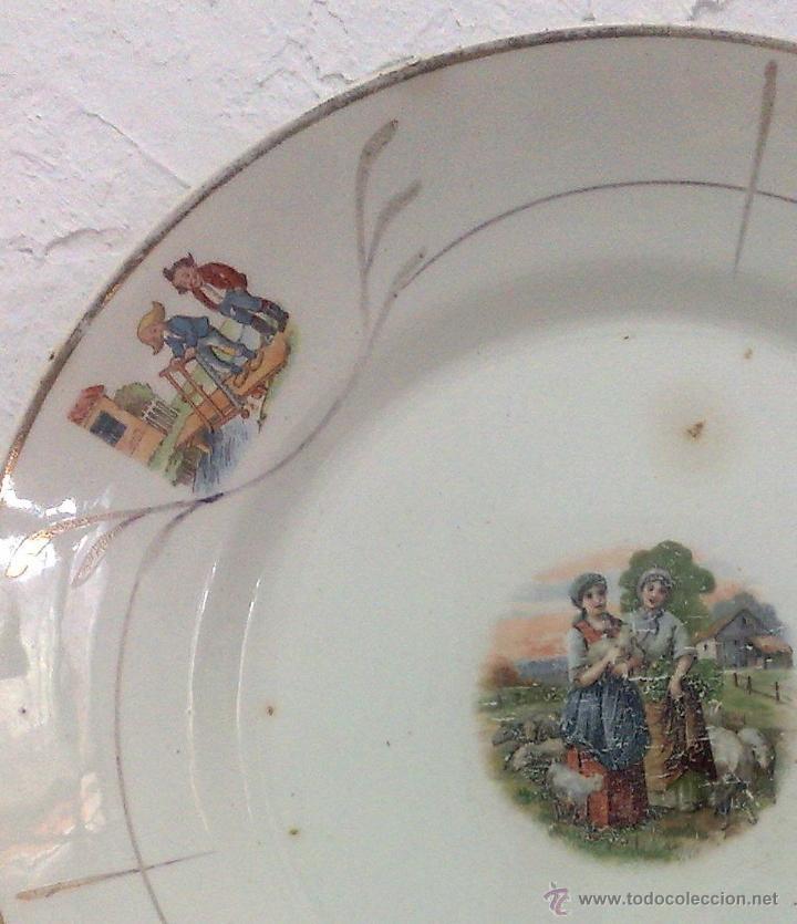 Antigüedades: SIGLO XIX-XX.- SAN CLAUDIO.- OVIEDO.- INTERESANTE PLATO EN PORCELANA. - Foto 4 - 40661034